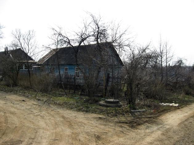 Вид на дом с пересечения проездов